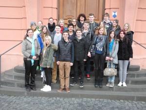 die Abschlussklasse 10 der Realschule plus Waldbreitbach