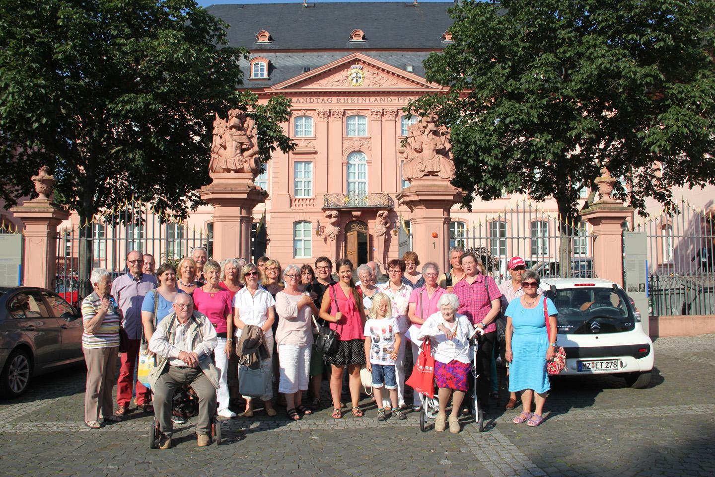 2015-07-01_EB_Besuchergruppe_Mainzer_Landtag